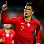 Cristiano Ronaldo-ชูนิ้วดีใจ